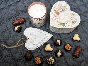 Caja romantica corazon de madera