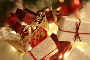 Echa un vistazo a nuestras cajas y bolsas originales para regalos de Navidad